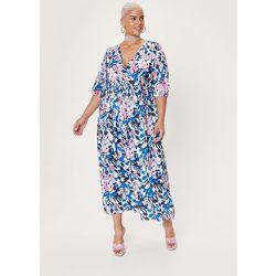 Plus Size Floral Satin Wrap Maxi Dress - Nasty Gal - Modalova