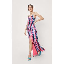 Abstract Zig Zag Wrap Maxi Dress - Nasty Gal - Modalova