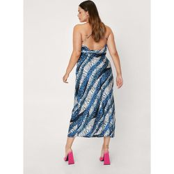 Plus Size Blue Animal Print Cowl Back Dress - Nasty Gal - Modalova