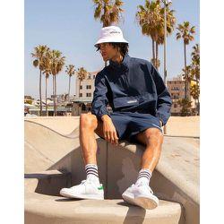 Summer Club - Veste coupe-vent en crépon à fermeture éclair partielle - Bleu - adidas Originals - Modalova