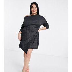 Robe courte cache-cœur à manches 3/4 et épaules dénudées - Closet London Plus - Modalova
