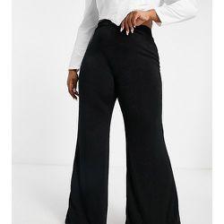 Pantalon évasé taille haute - Club L London Plus - Modalova