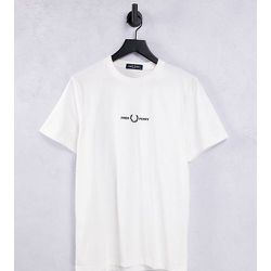 T-shirt à logo brodé - - Exclusivité ASOS - Fred Perry - Modalova
