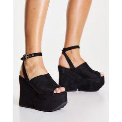 Sandales à plateforme avec semelle crantée - Lamoda - Modalova