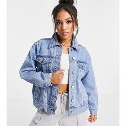 Veste en jean oversize - délavé - Missguided Petite - Modalova