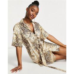 Robe chemise courte à imprimé léopard - Sable - Motel - Modalova