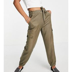 Pantalon cargo avec lien à la taille - Kaki - Only Petite - Modalova
