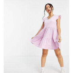 Robe courte à volants avec jupe effet étagé - Rose - Only Petite - Modalova