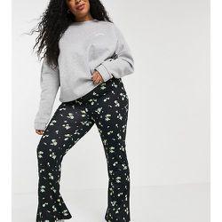 Inspired Plus - Pantalon large évasé à petites fleurs imprimées - Reclaimed Vintage - Modalova