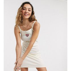 Robe avec cœur - Crème - Exclusivité ASOS - Santa Cruz - Modalova