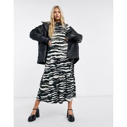 Robe mi-longue à volants étagés et imprimé animal - et blanc - Topshop - Modalova