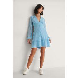 Robe En Mousseline À Boutons - Blue - Buonalima x NA-KD - Modalova