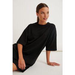 Robe Tee-Shirt Surdimensionnée - Black - Marije Zuurveld x NA-KD - Modalova