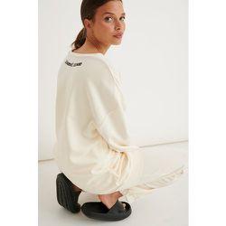 V-neck Sweater - Offwhite - Marije Zuurveld x NA-KD - Modalova