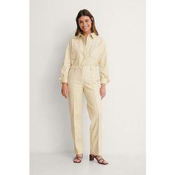 Pantalon Taille Mi-Haute En Faux Cuir - Beige - NA-KD Trend - Modalova
