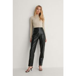 Pantalon Faux Cuir - Black - Oumayma x NA-KD - Modalova