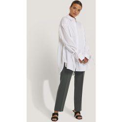 Recyclée chemise manches à noeuds - White - NA-KD Reborn - Modalova