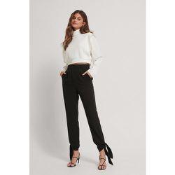 Pantalon De Costume Noué - Black - Stéphanie Durant x NA-KD - Modalova