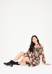 Robe babydoll à fleurs et boutons - LolaLiza - Modalova